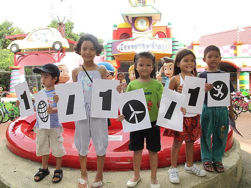 schoolchildren-thailand